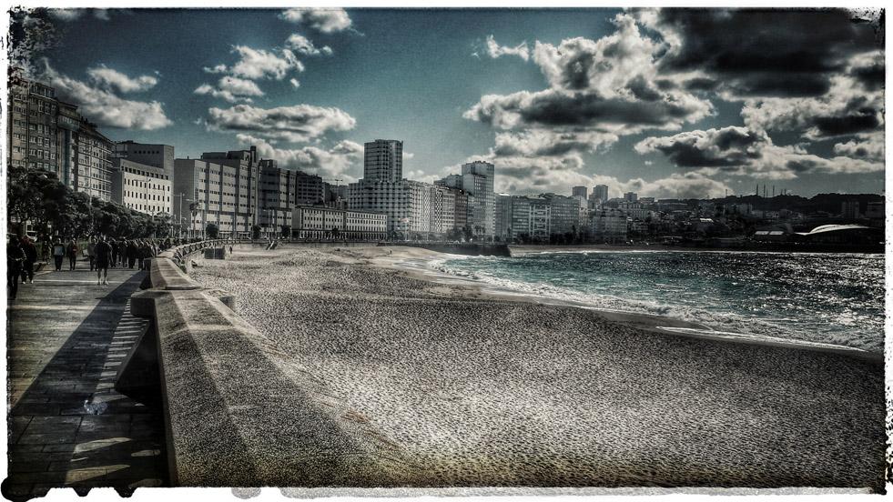 Nesta praia da Coruña unha das protagonistas pensa en cambiar  asúa vida.